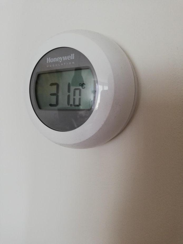 In het appartement van Eva van Langen in Breda is het 31 graden