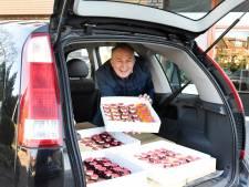 Jarige bakker trakteert Weddesteyn 'Om bewoners en personeel een hart onder de riem te steken'