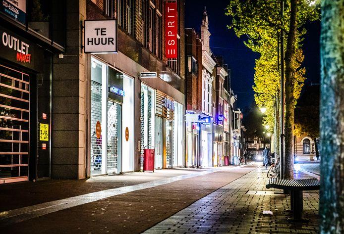 Lege winkelstraat in het centrum van Dordrecht.