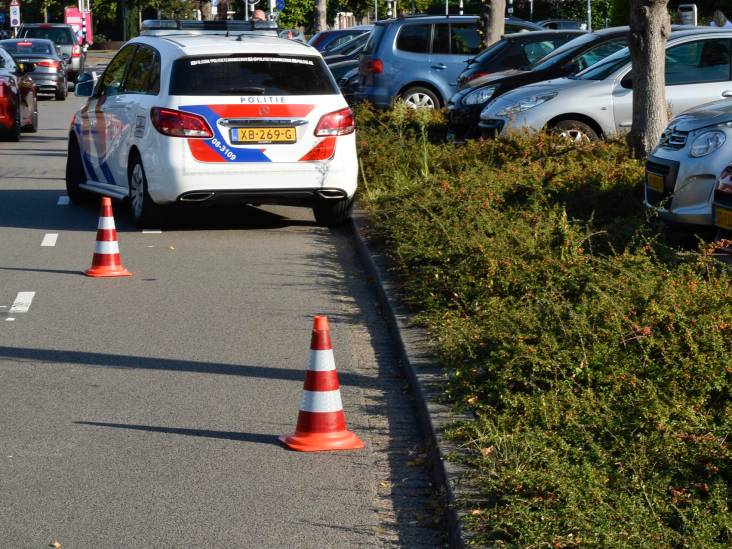 Vijf mannen bedreigen en beroven lachgaskoerier in Breda