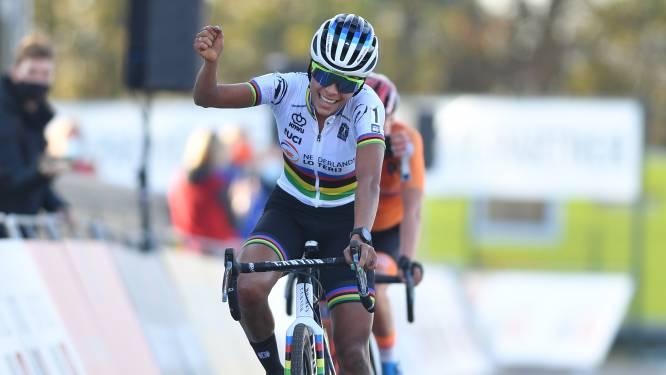 Nederland boven in Rosmalen: Ceylin Alvarado sprint naar Europese veldrittitel