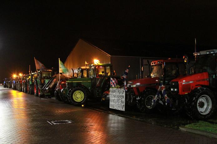 Zo'n 200 trekkers van Flevolandse boeren zijn vannacht rond half twee als eerste groep vertrokken vanuit Bant.