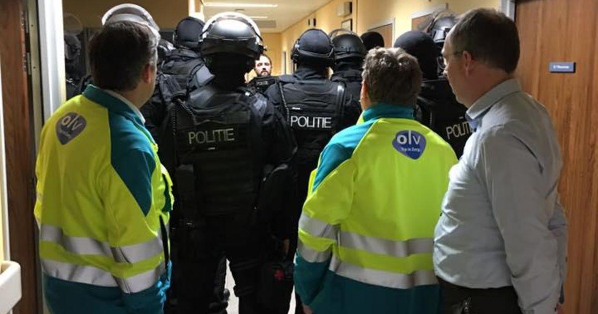 Verdachte mannen opgemerkt in ziekenhuis Aalst: politie massaal ter plaatse - De Morgen
