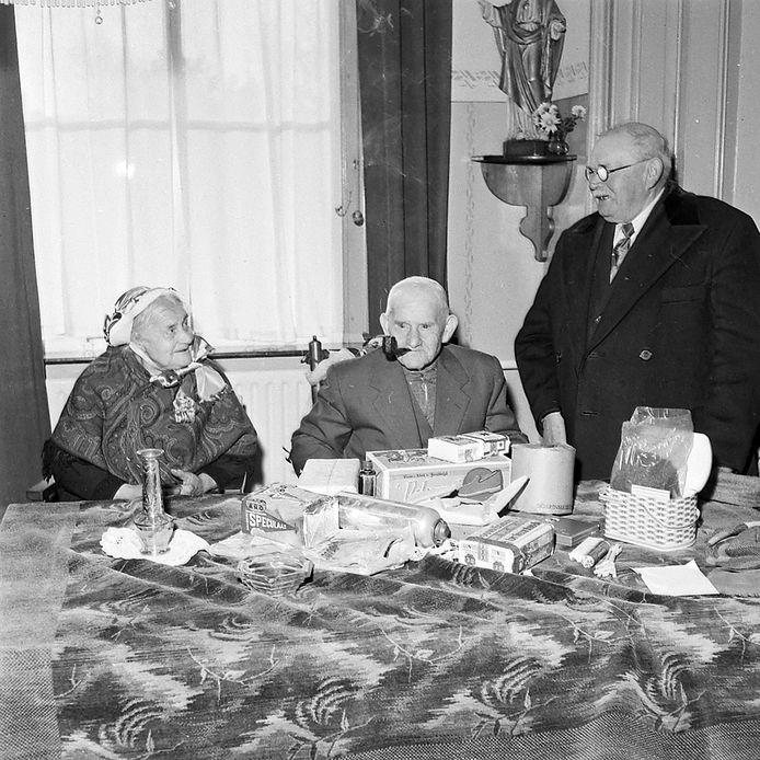 Bertje Larmit uit Lage Mierde 100 jaar
