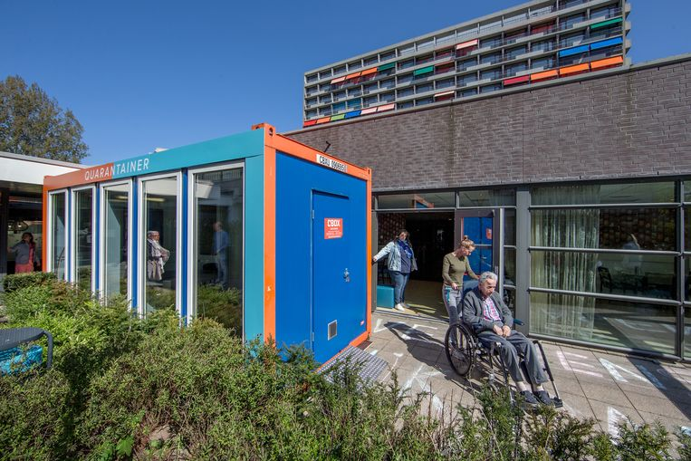 De quarantainer voor woonzorgcentrum De Buitenhof in Buitenveldert. Beeld Jean-Pierre Jans