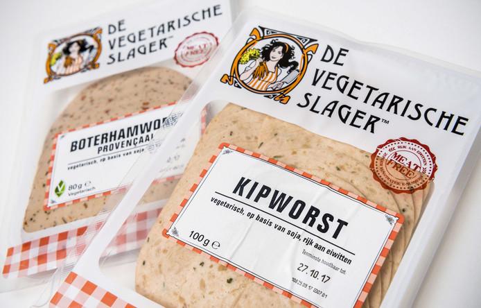Vegetarische boterhamworst en kipworst.