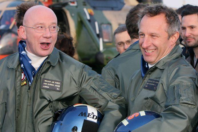 Ludo Busschots (Flight Engineer Patrick Adams) en Warre Borgmans (CO 40ste Squadron) op de set van 'Windkracht 10'