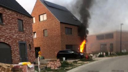 """Amper 4 dagen na verhuis naar nieuwbouw staat gezin alweer op straat na brand: """"Twee jaar naar uitgekeken en in één klap alles weg"""""""