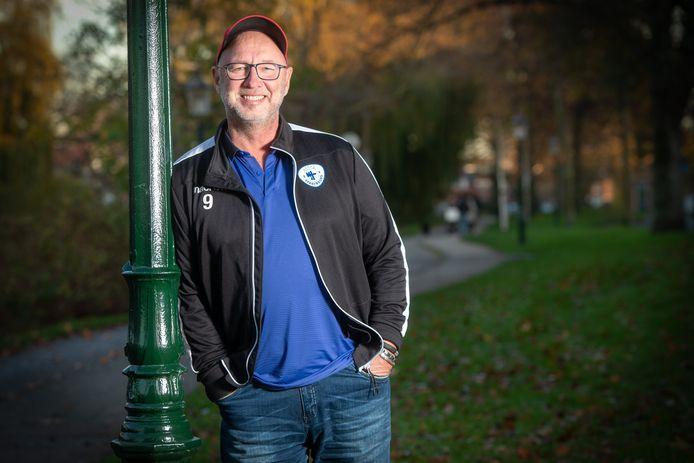 Gert Koelewijn: ,,De jonge talenten willen in hun veelal kansloze bestaan alles aangrijpen om een loopbaan op te bouwen in het voetbal.''