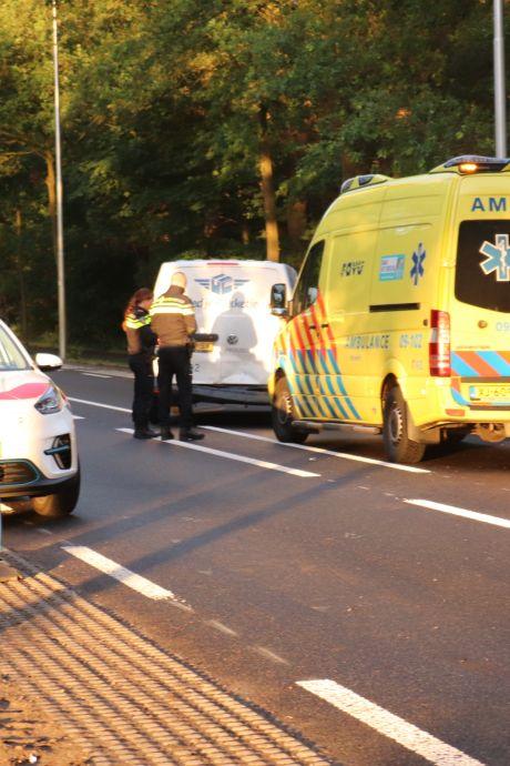 Botsing tussen auto en bestelbus op Utrechtseweg in Renswoude
