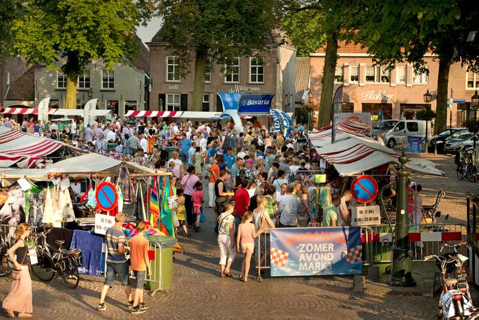 De zomeravondmarkt in Oirschot, met beter weer