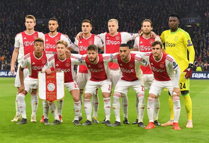 Ajax voor het duel met Real Madrid.