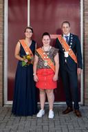 En de hoogheden van OEV, ofwel de dröge schutterij, vlnr Anouk van der Sterren, Eva Bach en Joshua Groothuizen.