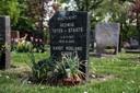 Karst Tates is bij zijn oma begraven, in Zevenaar.