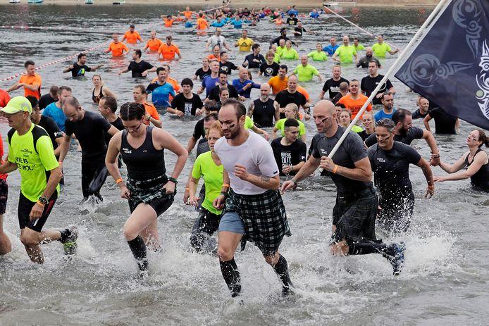Bij de BreakOut Run 'ontsnappen' de hardlopers uit een 'gevangenis' en moeten ze al vluchtend een hindernisparcours afleggen.