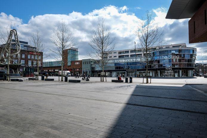Het is stil, op zaterdagmiddag in het centrum van Enschede.