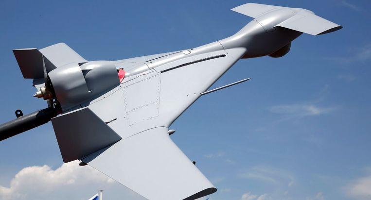 De Harpij, een door Israël ontwikkeld onbemand vliegtuigje voorzien van een explosieve lading. De Harpij spoort zelfstandig radargolven op en stort zich daarna op de vijandelijke radarinstallaties. Een mens kan de controle ook overnemen om andere doelen aan te vallen. In het voorjaar van 2016 boorde een door Azerbeidzjan gekochte Harpij zich zo in een bus met Armeense militairen. Beeld EPA