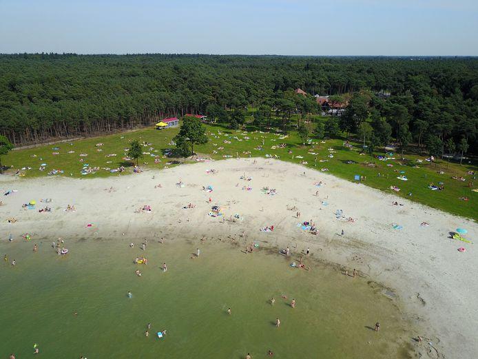 Strandbad Nederheide bij Milheeze was vorig jaar het toneel van een flinke mishandeling die volgens het Openbaar Ministerie levensgevaarlijk was