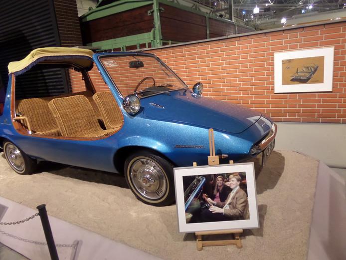 De DAF-kini werd in het museum bekeken door een volwassen (prins) Willem-Alexander.