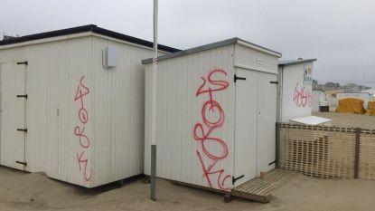 Vandalen houden lelijk huis in Knokke-Heist: tientallen strandcabines beklad met graffiti