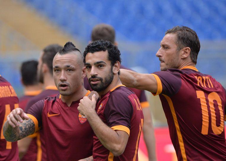 Radja Nainggolan, hier met aanwinst Mo Sala en Francesco Totti.