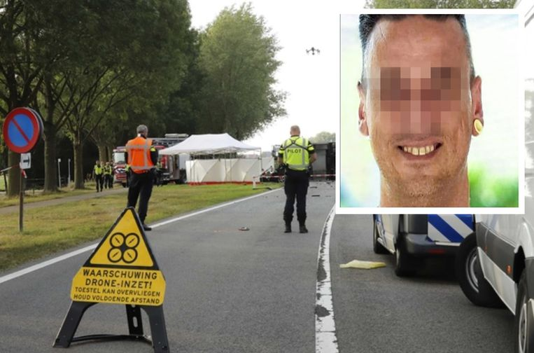 Moordverdachte Johannes 'Joop' V. (inzet) reed maandag met opzet in op een vrachtwagen in het Nederlandse Escharen (Noord-Brabant). Hij kwam daarbij om het leven. De politie zette een drone in voor de vaststellingen.