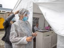 Meer zorgorganisaties in IJsselland gaan zelf coronatests afnemen bij eigen zorgpersoneel