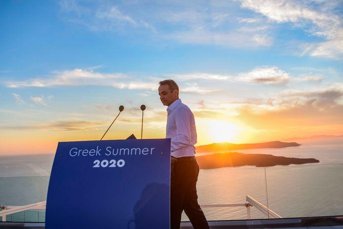 De Griekse premier Kyriakos Mitsotakis geeft een persconferentie voor het nieuwe toeristenseizoen.