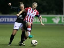 Routinier Van de Wetering jaar langer bij PSV vrouwen
