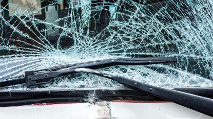 """""""Ik dacht dat het balkjes waren"""": jonge bestuurder schept voetgangers op en rijdt verder om nog eens te botsen"""