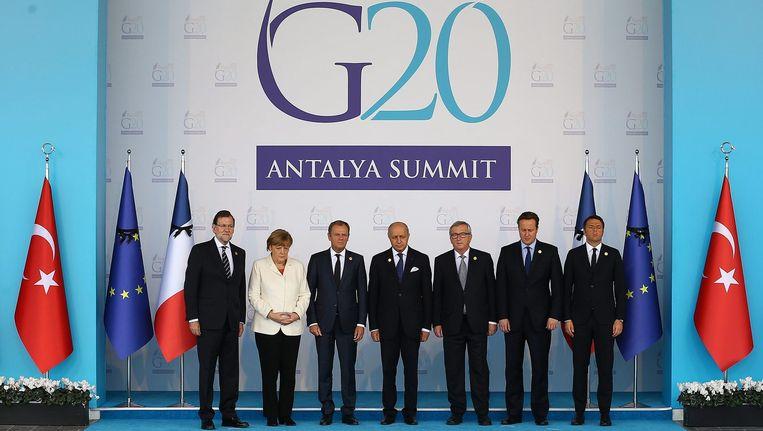 De leiders van de G20 hebben in een slotverklaring de 'gruwelijke' terroristische aanslagen in Parijs veroordeeld en hebben opgeroepen gezamenlijk het terrorisme te bestrijden. Beeld epa