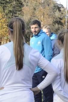 Van Bommel motiveert vrouwen PSV voor duel met Ajax