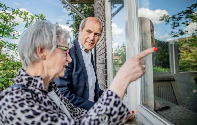 Yvonne Elzas en Ronny Naftaniel hebben beiden een intense persoonlijke band met wat nu het terrein van Groot Schuylenburg is. Hun familie was direct betrokken bij het oorlogsdrama van het Apeldoornsche Bosch.