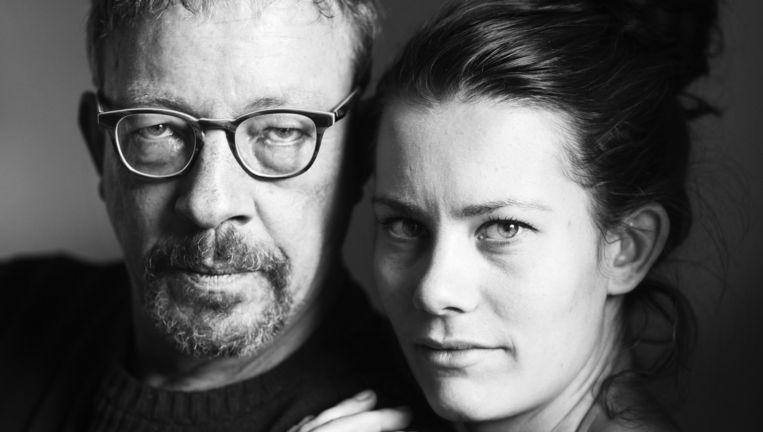 Arnold Mulder met zijn dochter Julia. Arnold heeft de dodelijke hersenziekte MSA-c Beeld Linelle Deunk