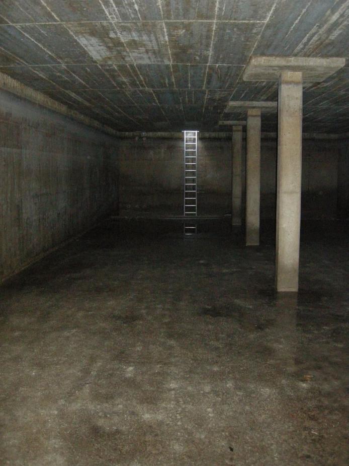 In het kader van Open Monumentendag kan publiek zaterdag 10 september van 10.00 ttot 13.00 uur een kijkje nemen bij en desgewenst in de oude reinwaterkelder aan de Brouwershoekweg in Ruurlo. Foto Eelco Schuijl