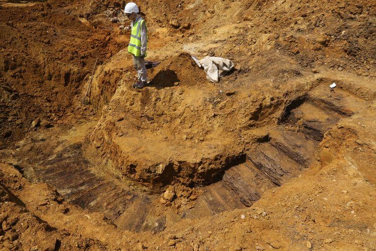 De foto van Eric Flamand die National Geographic haalde, toont een trap die naar een dug-out leidde.