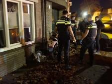 Scooterrijdster gewond na botsing tegen geparkeerde auto in Valkenswaard