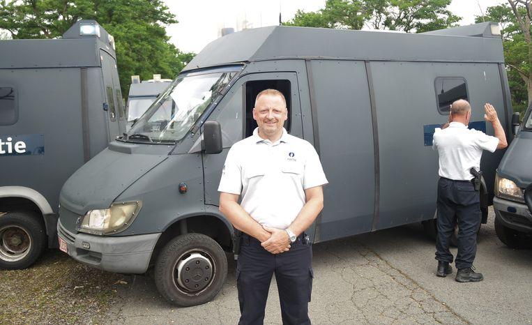'Master driver' Braeckman die de leiding heeft over de training.