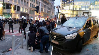 """Politie bekogeld, winkels en auto's vernield: """"31 mensen gearresteerd, waaronder Franse snapchatter"""""""