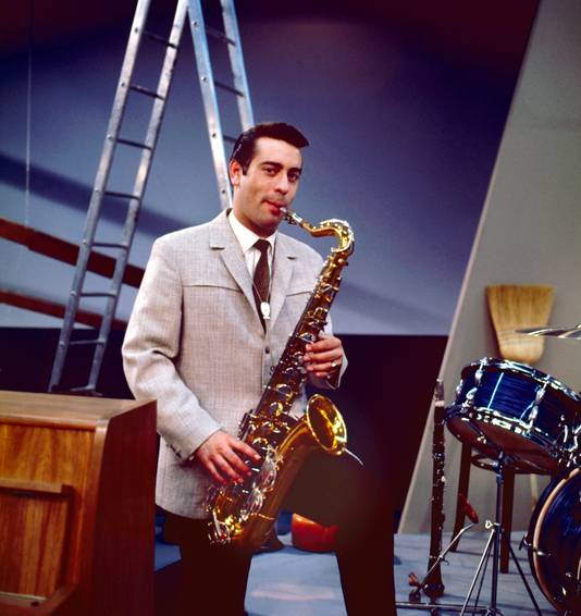 Gert Timmerman, zanger/muzikant, op foto uit 1963.