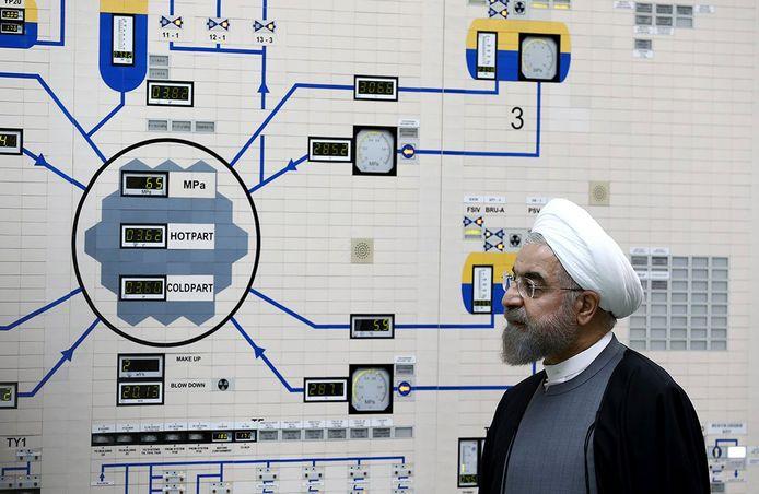 Iraans president Hassan Rouhani in de nucleaire centrale van Bushehr.