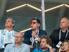 Maradona rookte sigaar tegen spanning: 'Wist echt niet dat het niet mocht'