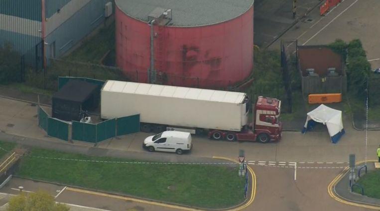 De vrachtwagen waarin de lichamen werden ontdekt.
