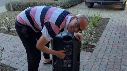 VIDEO. Desselgemse straat houdt muzikaal applausmoment voor hulpverleners