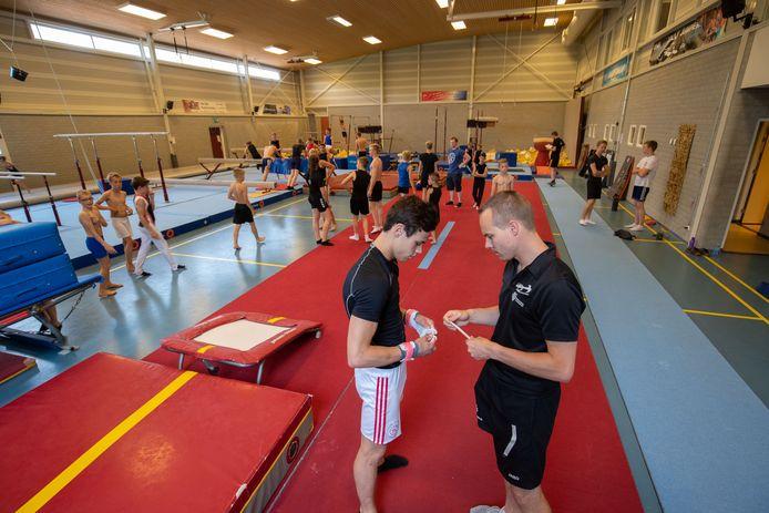 Binnensportverenigingen in de gemeente Kampen hoeven voorlopig geen huur te betalen vanwege de coronamaatregelen.