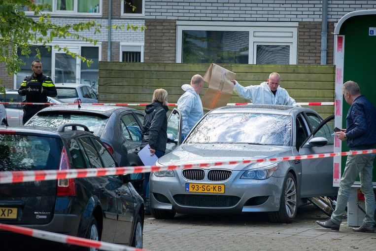 Het 7-jarige dochtertje van Samir Erraghib zat naast hem in de auto in IJsselstein toen hij geliquideerd werd. Het meisje overleefde de aanslag. Beeld Koen Laureij