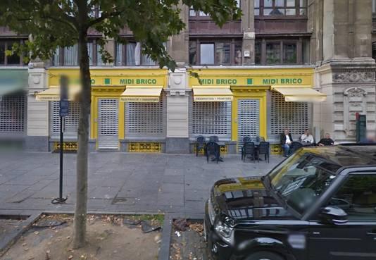 De 23-jarige Zweed Osama Krayem kocht de grondstoffen voor de bommen bij Midi Brico, een doe-het-zelfzaak in de buurt van het Brusselse station.