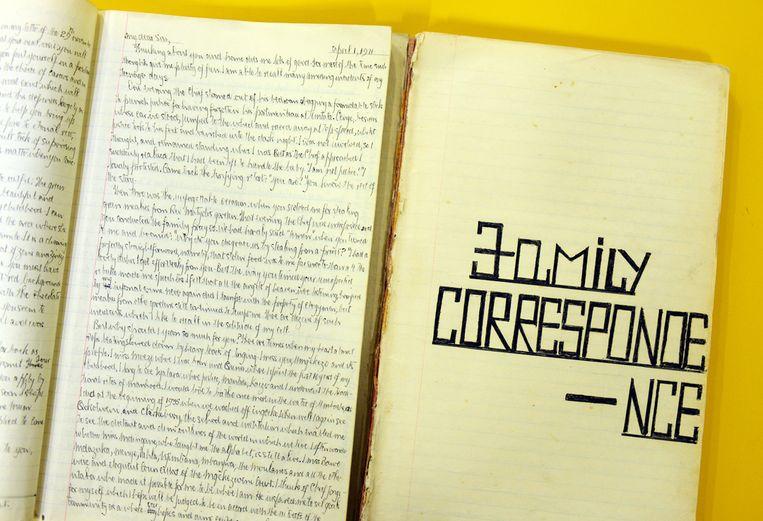 Memoires en brieven die Nelson Mandela schreef tijdens zijn gevangenschap op Robbeneiland. Beeld Bram Lammers