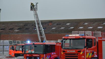 Felle brand in loods van Wienerberger