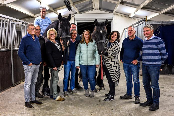 De organisatoren van de trekpaardenwedstrijd vergaderen in Oud Gastel. Het evenement vindt plaats in Roosendaal.